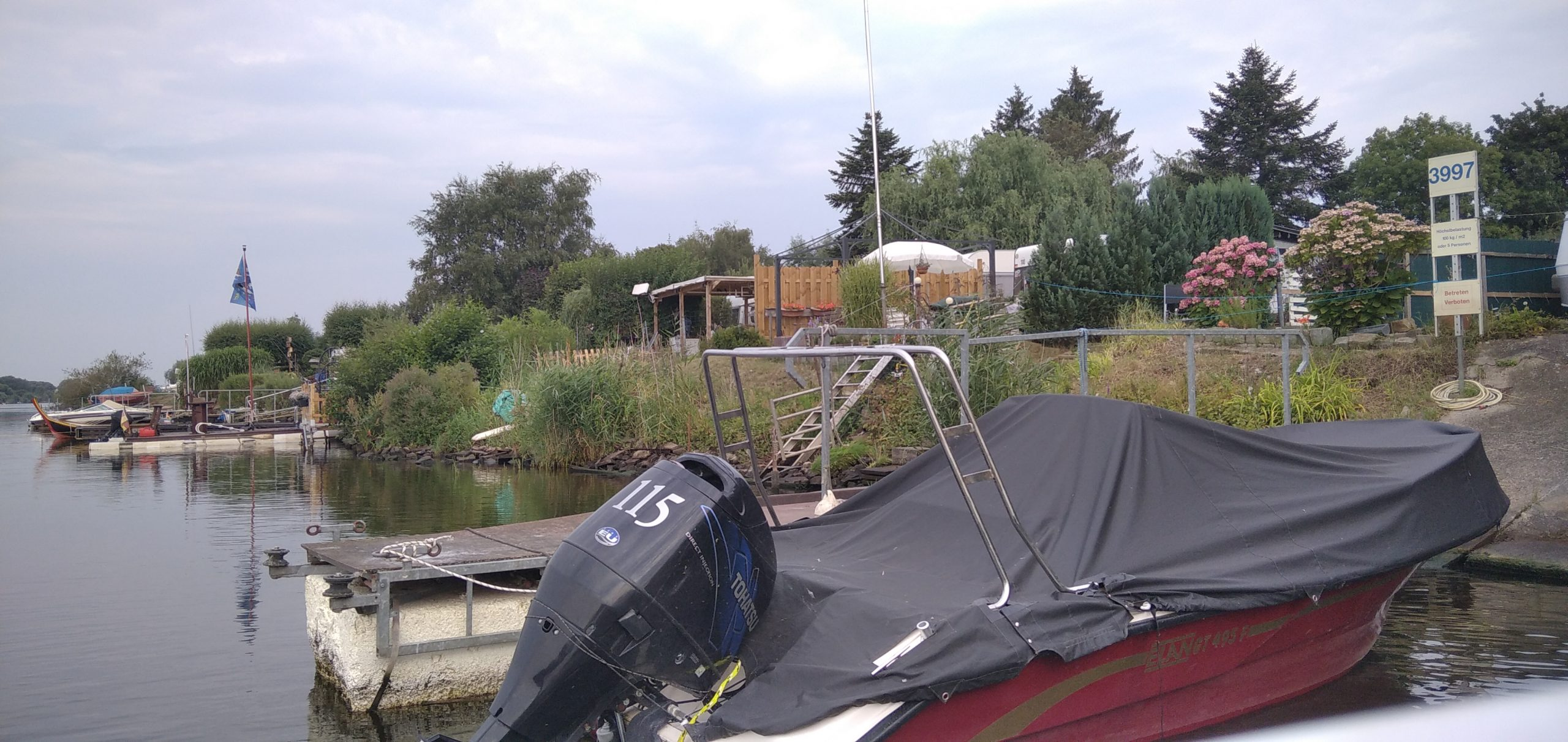 Mit dem Boot in Bremens City: Vom Campingplatz Weser-Camping-Bollen aus